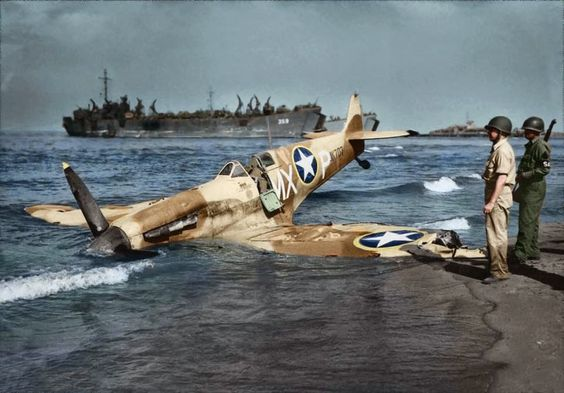 american-spitfire-mk-vc-307th-fighter-sqn-on-paestum-beach